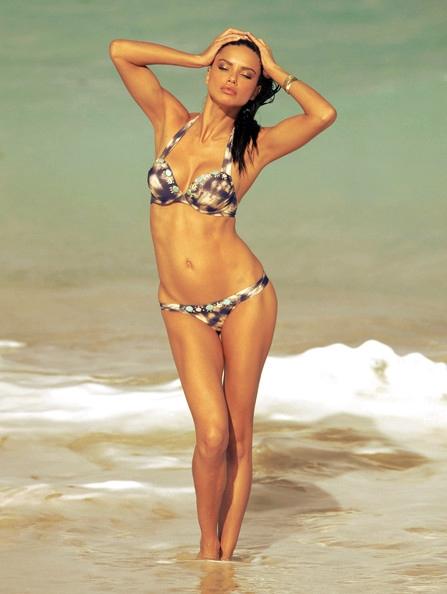 bikini adriana lima